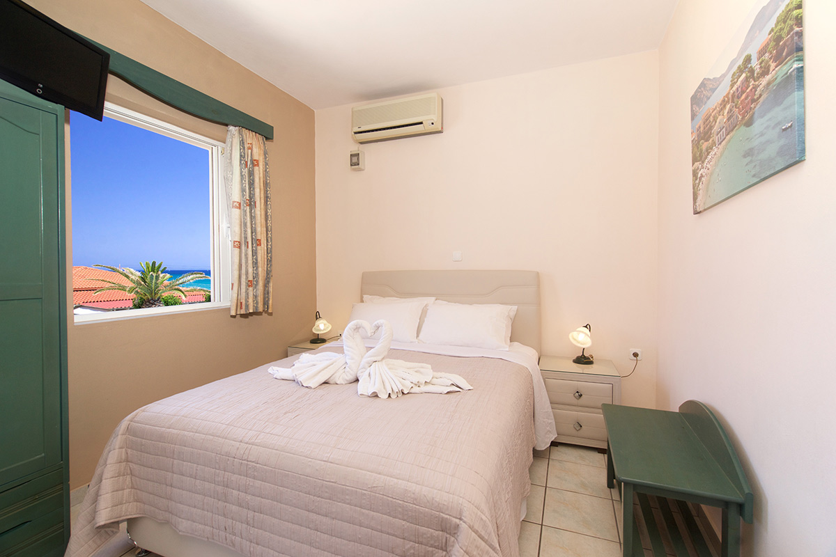 No 8. Studio on the 1st floor with balcony with side sea view (AEGEALIS STUDIOS & APARTMENTS)